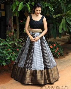 Indian Gowns Dresses, Indian Fashion Dresses, Indian Designer Outfits, Frock Fashion, Saree Fashion, Half Saree Designs, Fancy Blouse Designs, Long Gown Design, Wedding Lehenga Designs