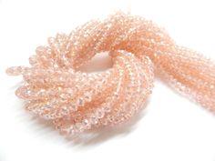 Cristal checo 4 mm, color rosa (especial), tira con 150 piezas, $26.00, Precio especial a mayoristas. CODIGO: CC4M004