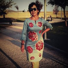 Tonia con su vestido bordado de flores te queda genial!  #RibeteDeOroGirls #style #moda #modaespaña #girl #dateuncapricho  #fashion #look #instagood #summer #beautiful #shopping #outfit #shoppingonline #follow