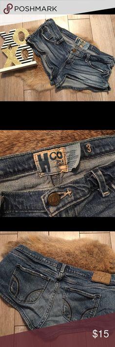 Sale🌈Hollister Jean Shorts Hollister Jeans Shorts size 3 good condition Hollister Shorts Jean Shorts