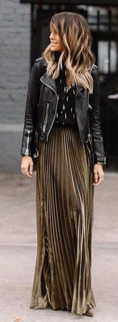 Beautiful Winter Outfits Ideas With Black Leather Jacket 36