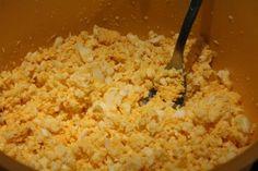 Tojáskrém recept, tojássaláta elkészítése - Nemzeti ételek, receptek Grains, Rice, Recipes, Food, Meal, Food Recipes, Essen, Rezepte, Hoods