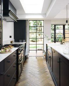 Instagram Kitchen Colors, Kitchen Design, Floor Design, House Design, Steel Frame Doors, Devol Kitchens, Open Plan Kitchen Living Room, Set Of Drawers, Painting Kitchen Cabinets
