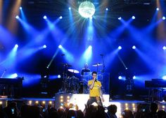 Maroon 5 at the Greek Theatre, Los Angeles by Nikhil Shahi Photography, via Flickr