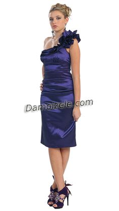 69,00 € - Robe romantique en taffetas pas cher et #verychic  | Robe de soirée courte Leslie en sexy mais élégante --- a shopper ici : http://www.robe-de-soiree.fr/robe-de-soiree-courte-leslie-c2x14760094