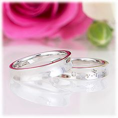 Love it...not that I would wear a wedding band...but as just a ring a plain ol' ring.