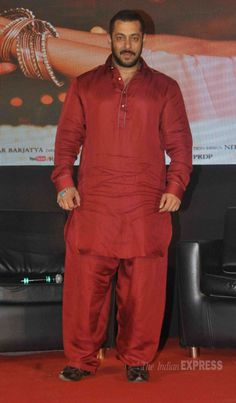 Salman Khan at a 'Prem Ratan Dhan Payo' promo event. #Bollywood #PRDP #Fashion #Style #Handsome