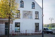 GEVAERT FILM (Drie Eikenstraat, Anvers -Belgique) Malheureusement il on refait la façade et elle a disparue.