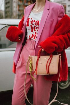 The non cheesy pink and red Valentine's Day outfit Pink high waisted peg trousers, blush pink pants, trousers with high waist and big belt, the cute pink trousers from zara, topshop tailored pink Pink Outfits, Vintage Outfits, Cute Outfits, Summer Outfits, Blazer Outfits For Women, Grunge Outfits, Winter Outfits, Look Fashion, Fashion Outfits