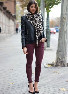 burgundy skinny jeans, leather jacket, leopard scarf, heels, outfit - I'm feeling it! Style Outfits, Mode Outfits, Casual Outfits, Fashion Outfits, Fashion Scarves, Office Outfits, Burgundy Skinny Jeans, Maroon Jeans, Oxblood Jeans