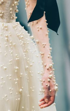 Reem Acra the allure of glamour Couture Mode, Style Couture, Couture Details, Fashion Details, Couture Fashion, Fashion Design, Bridal Fashion, Fashion Fashion, Runway Fashion