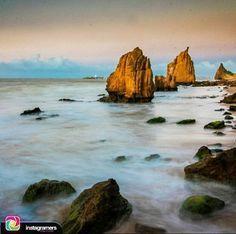 Que no queden dudas de lo hermoso de nuestro estado Falcón... Feliz tarde para todos!  @igersfalcon  @jogreher nos comparte esta hermosa imagen . Piedra de San Martín - Vela de Coro. #picoftheday #photooftheday #igersvenezuela #socialmedia #photo #sunrise  #instagood #sunset #falcon #venezuela #paraguana #elnacionalweb #phoneography #pic #share #pfgcrew #sky #puntofijoguia by @puntofijoguia