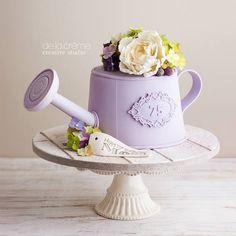 Watering Can Cake — De la Crème Creative Studio Fancy Cakes, Cute Cakes, Beautiful Cakes, Amazing Cakes, Fondant Cakes, Cupcake Cakes, 75 Birthday Cake, 75th Birthday, Flower Pot Cake