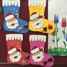 christmas socks craft idea for kids Easter Eggs Kids, Easter Egg Crafts, Christmas Paper, Christmas Crafts For Kids, Christmas Sock, Xmas, Reindeer Craft, Santa And Reindeer, Paper Plate Animals