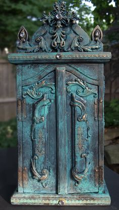 69-reliquary-chest-heatherktracy-for-iod-exterior-front