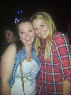 Fan pic somehow ended up at the same bar as some sort of once upon a time cast party. jennifer morrison was the only one we were able to meet, but j...