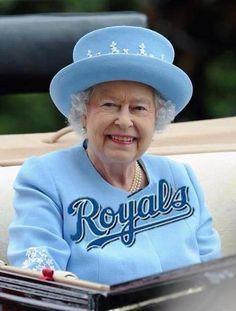 queen of england kc royals fan   RonHolzwarth's Photo / LJWorld.com