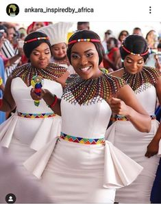 African Print fashion and Accessories for women Latest African beads and accessories for women African Print Wedding Dress, African Bridesmaid Dresses, African Wedding Attire, African Attire, African Wear, African Weddings, African Style, Nigerian Weddings, Printed Bridesmaid Dresses