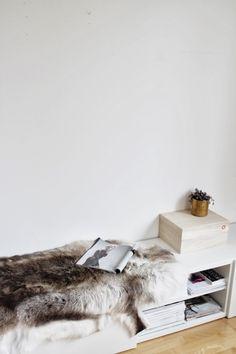 Bench | Shelf unit