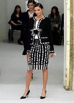 Chanel Spring 2004 Couture Runway - Chanel Haute Couture Collection - ELLE