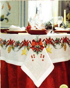 Christmas Placemats, Christmas Table Cloth, Christmas Table Settings, Christmas Centerpieces, Christmas Decorations, Christmas Cross, Rustic Christmas, Christmas Home, Vintage Christmas