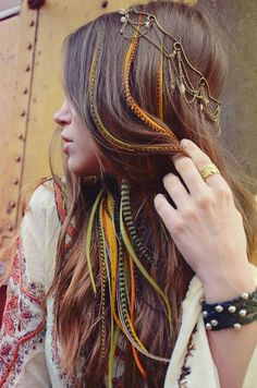 Perfect hair for the summer festival season. We love this look created by Junkie Feather Hair.