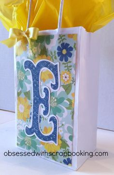 "LOVE this quick Cricut gift bag. I can do this!!!! Storybook cartridge at 5"" with shadow.   http://2.bp.blogspot.com/-dihmjGT9ZF4/UafrmqfYR4I/AAAAAAAAOWo/h90nwdtMPBQ/s1600/5minutegiftbag2.jpg"