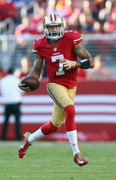 Colin Kaepernick Photos - Chicago Bears v San Francisco 49ers - Zimbio