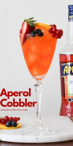 Today's cocktail is a low alcohol, seasonal variation on the classic Sherry Cobbler; a great cocktail from the century. Prosecco Cocktails, Winter Cocktails, Craft Cocktails, Summer Drinks, Fun Drinks, Best Cocktail Recipes, Orange Slices, Refreshing Drinks, Cobbler
