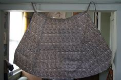 This brown and cream patterned apron skirt was purchased in west africa in the 1970s and is in excellent vintage condition. The tag
