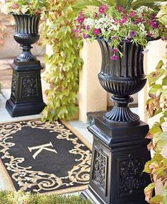 Compose a distinguished display when you flank your entryway with one of our Classic Venetian Urns.