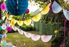 Guirnalda de abanicos de papel para fiestas, cumpleaños, bautizo, comunión. #partydecor #decoracion #fiestas #cumpleaños #comunión #bautizo