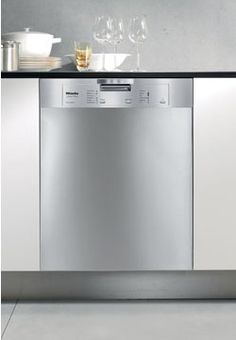 G4205SCSS Miele Futura Classic Pre-Finished Full Size Dishwasher with Cutlery Tray - Clean Touch Steel