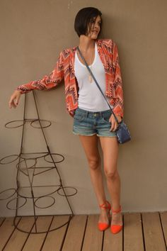 http://electricblogarella.com/southwest-jacket-zara-orange-heels/ #orange