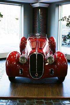 Astonishing Old Car Wheels Porsche 911 Ideas Classic Sports Cars, British Sports Cars, Classic Cars, British Car, Porsche, Audi, Alfa Romeo, James Bond Auto, Vintage Cars