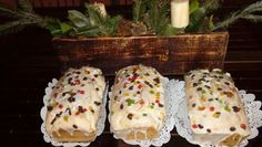 Budin navideño Fruta y semillas maceradas Breakfast, Desserts, Food, Good Things, Fruit, Morning Coffee, Tailgate Desserts, Dessert, Postres