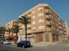 REF 387 : Leuk Appartement op slechts 50 meter van het strand. Dit Appartement is te huur voor € 400,00 per maand. Gelegen in Guardamar del Segura, Costa Blanca.