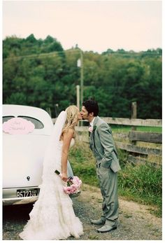 Need to go on this website for rustic wedding ideas