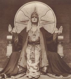 "elysskama:  Mia May, 1919Die Herrin der Welt,"" Mistress of the World"