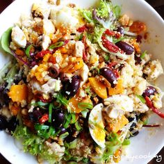 : Quinoa Salad, by Quirky cooking.looks awesome. Also info on quinoa Clean Eating, Healthy Eating, Pumpkin Quinoa, Chicken Pumpkin, Dinner Smoothie, Quirky Cooking, Cooking Recipes, Healthy Recipes, Cooking Tips