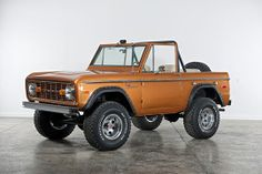 Classic Ford Broncos is an US company that specializes in restoring early model Ford Broncos. They hand-build only a small volume of Broncos each year, using only the best, original Ford Bronco bodies, and top of the line components. In fact, their r Classic Bronco, Classic Ford Broncos, Classic Cars, Old Ford Bronco, Early Bronco, Chevrolet Trucks, Ford Trucks, 1957 Chevrolet, Diesel Trucks