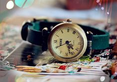 https://www.etsy.com/listing/121978391/simple-lady-leather-wrist-watchleather