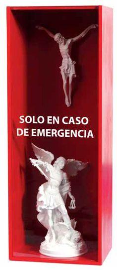 Autor: Luis Eduardo Vicente // Guatemala // Solo en caso de emergencia // Técnina mixta