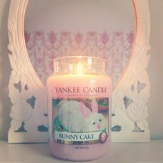 Hi everyone! What are all your favourite yankee candles? Just comment below :) It would be nice to find out