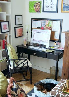 Small apartment office desk! | Photo by meredithandthenewyorkie.com