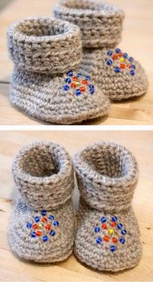 I like the bead Idea except only in knitting. Love Crochet, Crochet For Kids, Knit Crochet, Diy And Crafts Sewing, Baby Crafts, Crochet Baby Booties, Crochet Slippers, Diy Laine, Knitting Patterns