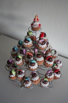 Explore RedNalie's photos on Flickr. RedNalie has uploaded 3706 photos to Flickr. Christmas Town, 12 Days Of Christmas, Christmas Diy, Christmas Ornaments, Saint Nicolas, Party Food And Drinks, Christmas Cupcakes, Party Activities, Cata