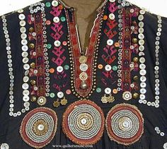 Close-up view of front of Pakistani tribal dress Bohemian Costume, Afghani Clothes, Costume Ethnique, Tribal Dress, Ethnic Dress, Ethnic Fashion, Ethnic Chic, Folk Fashion, Fabric Embellishment