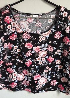 Kup mój przedmiot na #vintedpl http://www.vinted.pl/damska-odziez/bluzki-z-krotkimi-rekawami/10008855-krotka-koszulkatop-w-kwiatki-cubus