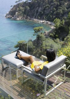 Totally in love with this view! Ninix Lounge 100 Relax and Ninix 80F Footrest by Royal Botania / #nature #outdoor #luxury www.royalbotania.com